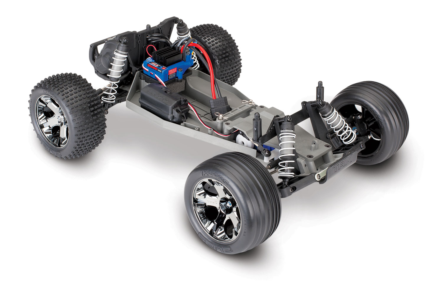 37076-4-chassis-3qtr-front
